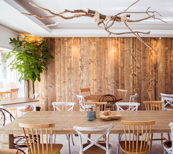 Nuestro showroom de muebles de madera